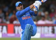 This is why MS Dhoni Should Play in 2019 World Cup