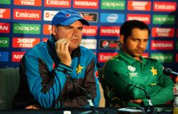 asia cup pakistan cricket team going through confidence crisis mickey arthur