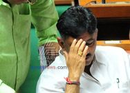 Congress dissident leader fight In Front of DK Shivakumar at chikkaballapur Loksabha