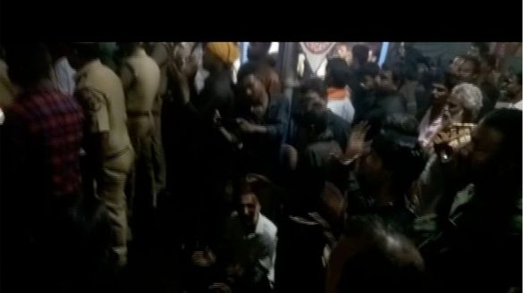 mar sweety attempts to reach sabrimala those who protest stopped mary at railway station