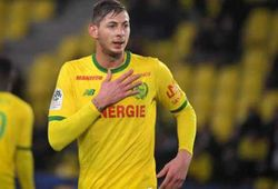 Emiliano Sala: Missing plane wreckage found; father says 'it's a bad dream'