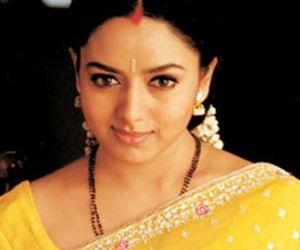 Actress Soundarya pregnant when she died in helicopter crash?
