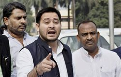 <p>Tej pratap did not get seat in helicopter with tejashwi yadav</p>
