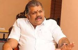 no chance to merge tmc with bjp told vasan