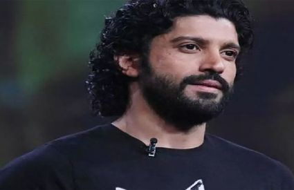 Farhan Akhtar gets trolled for late tweet on BJP MP candidate