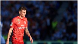 Toni Kroos signs new four year deal in Real Madrid
