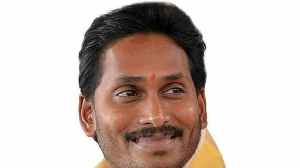 ys jagan swearing ceremony will be at vijayawada says ys jagan