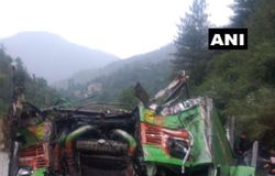 bus accident in himachal