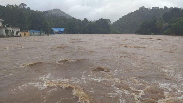 heavy rain in kannur alert from kannur district collector