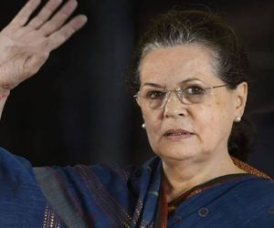 Mamta got a shock, Sonia allied with the Left for election in west bangal