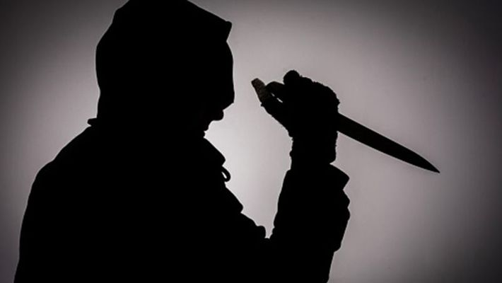 man murdered his mother and  attempted suicide