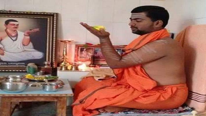 Haveri Akki Mutt Gurulinga Swamiji reveals In Whatsapp about entry To Kannada Bigg Boss 7