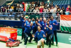 Davis Cup: India annihilate Pakistan after Leander Paes' record win