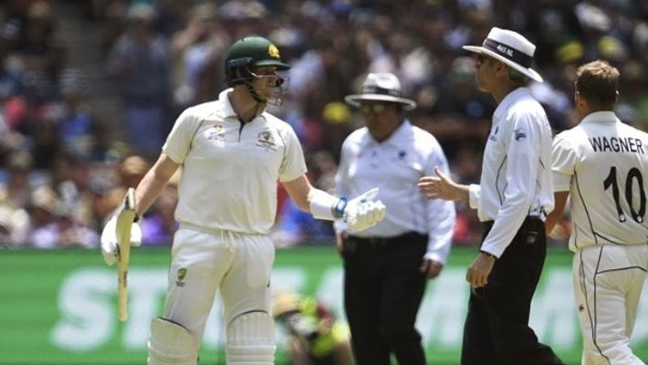 Boxing Day Test Steve Smith and umpire Nigel Llong spar over dead ball rule