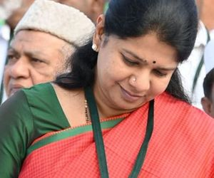 Kanimozhi slaps : Quit India immediately