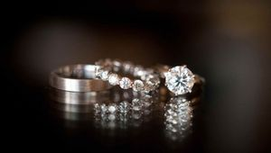 Valentine's Day special: Diamond or gold?