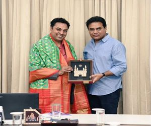 Government of India Chief Economic Adviser Krishnamurthy Subramanian metKTR