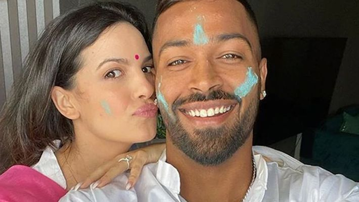 Team india All Rounder Hardik Pandya Celebrates Holi With Fiancee Natasa Stankovic, Family