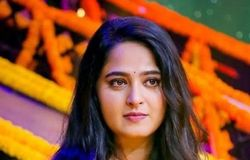 "<p>In an interview, Anushka Shetty revealed her equation with Prabhas. The 'Rudhramadevi' actress said, ""He (Prabhas) is one of my 3 AM friends."" Also, we all know that the fans loved their on-screen and off-screen chemistry.</p>"