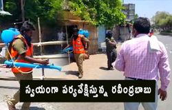 Municipal Commissioner Ravindrababu supervising  Sanitation programme in kurnool