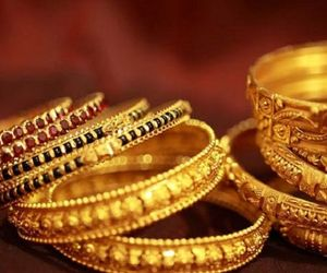 son threatens Mother to ki;l over money and gold in yadadri