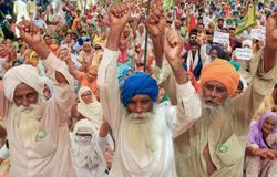 <p>Looking to mount pressure on the Centre ahead of the fifth round of talks on Saturday, farmers' unions opposed to the new agri laws have called for a Bharat bandh on December 8.<br /> &nbsp;</p>