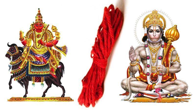 <p><strong>7.</strong> मंगल और हनुमान- भगवान हनुमान या मंगल ग्रह की कृपा के लिए लाल रंग का धागा हाथ में बांधना चाहिए।<br /> </p>